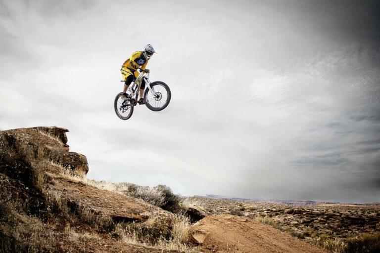 קפיצה עם אופניים